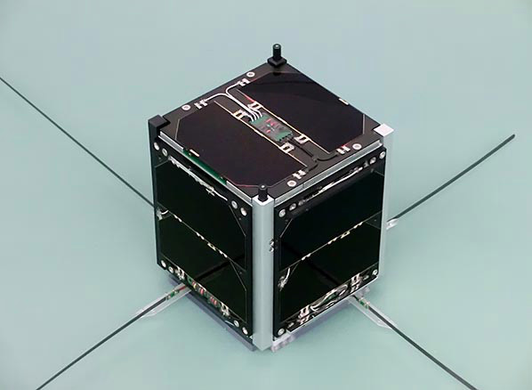 funcube-1-flight-model-image-credit-wouter-weggelaar-pa3weg