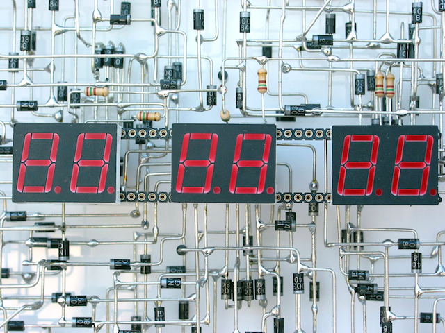 the-clock-03-de