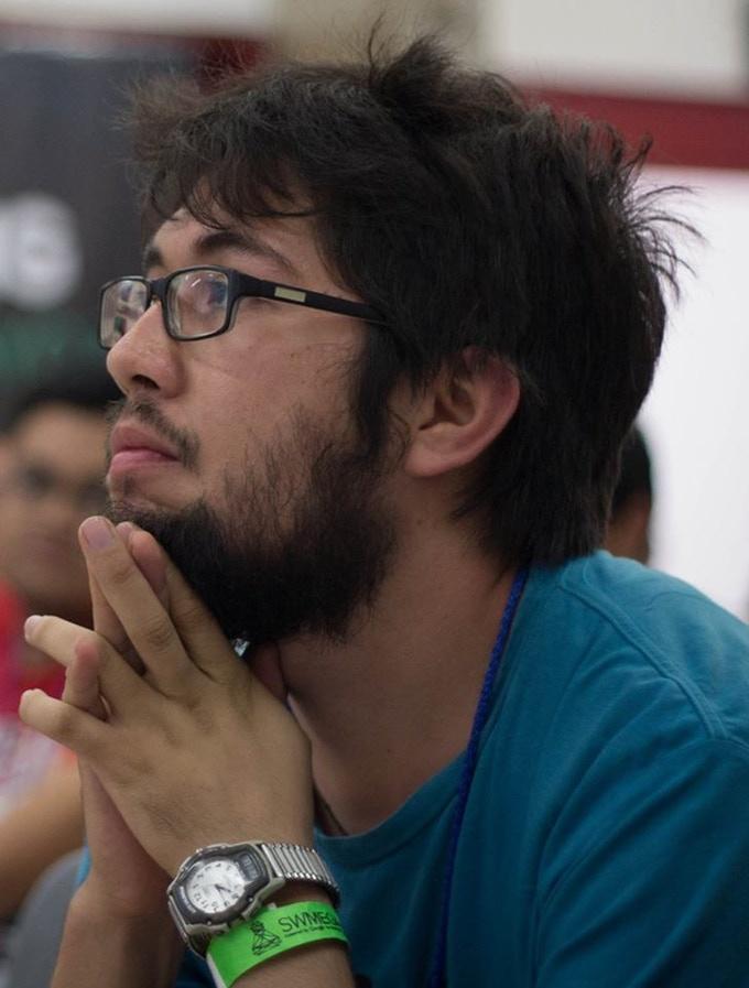 Adrés Sabás es creador de la tarjeta Meow-Meow cofundador de The Inventor's House y desarrollador de programas de educación maker y educación aeroespacial para jóvenes.
