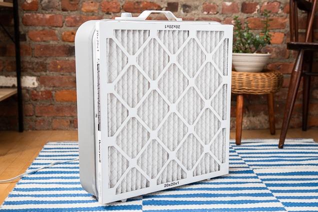 La CDMX atraviesa una crisis ambiental y lo ideal es que tengas un filtro de aire para mantener tu espacio limpio. No necesitas comprarlo, ¡hazlo tú mismo!